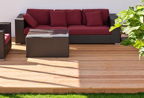 Holz Spezialöl Ist Der Wetterschutz  Und Pflegeanstrich Für Holzdecks,  Gartenmöbel Und Terrassen. Wir Führen Alles Für Eine Perfekte Terrasse!  Fragen Sie ...